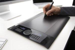 tableta dibujo planeta del futuro