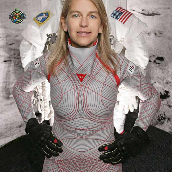 trajes espaciales del futuro biosuit